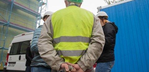 ФОТО и ВИДЕО | Полиция искала на стройках нелегальную иностранную рабочую силу. И нашла!