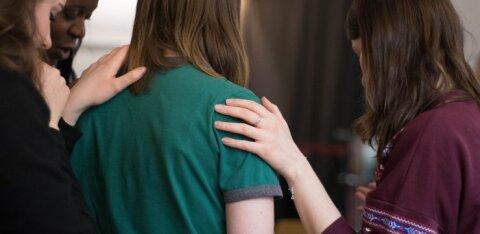 Nõutu naine: mu sõbrannal on nii kohutav elukaaslane ja ma tahaks teda kuidagi aidata, aga üldse ei oska