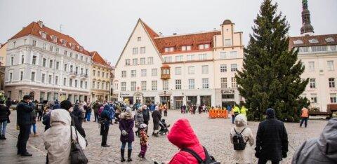 Такого еще не было! На Ратушной площади в Таллинне появится голограмма Деда Мороза