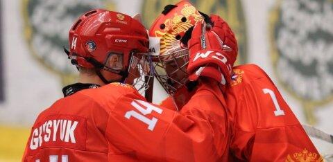 Российские юниоры пробились в полуфинал чемпионата мира