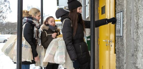 Добровольцы доставят пыхья-таллиннским пенсионерам пакеты помощи