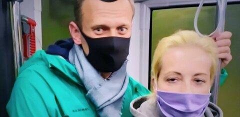 """""""Победное"""" возвращение. Как российские власти превратили прилет Навального в шоу и парализовали два аэропорта"""