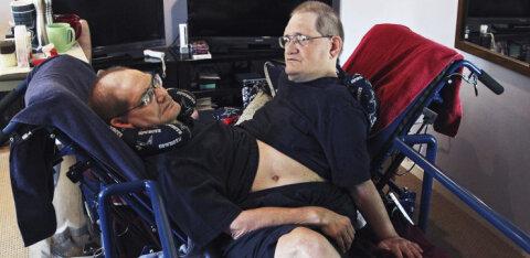 Maailma kõige ebatavalisemad kaksikud surid 68-aastastena