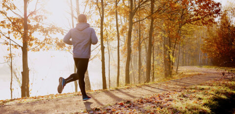 CПОРТИВНОЕ УТРО | 10 причин начинать утро спортивно