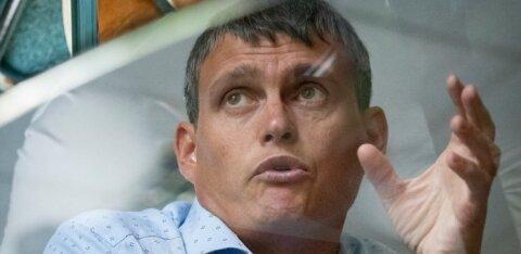 Мэр Нарвы просит пенсионеров после получения пенсии не бежать сразу в магазины