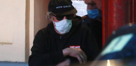 Kohtult karistust ootav Mihhail Jefremov toimetati istungilt kanderaamil haiglasse