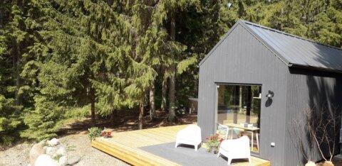 FOTOD | Mobiiliga juhitav moodne maja Läänemaa metsade keskel