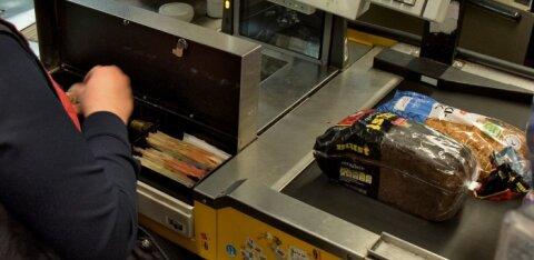 Услуга по взносу наличных в кассе магазина оказалась востребованной и будет расширена