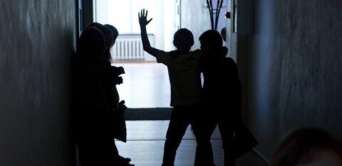 Он не невоспитанный, у него СДВГ. Ребенок нападает на одноклассников, колотит по стенам: число таких детей растет из года в год