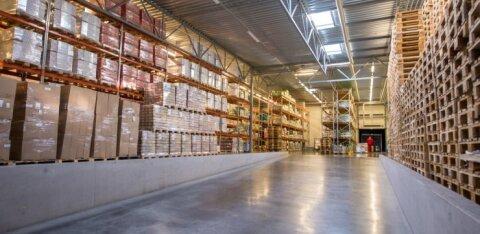 В августе экспорт товаров уменьшался третий месяц подряд