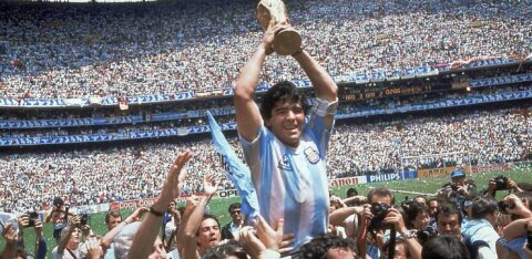 VIDEO | Saatan ja jumal ühes isikus! Diego Maradona lõi ühes kohtumises jalgpalliajaloo kaks kõige kuulsamat väravat