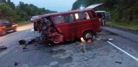 СТРАШНЫЕ КАДРЫ | При аварии с микроавтобусом под Воронежем погибли восемь человек