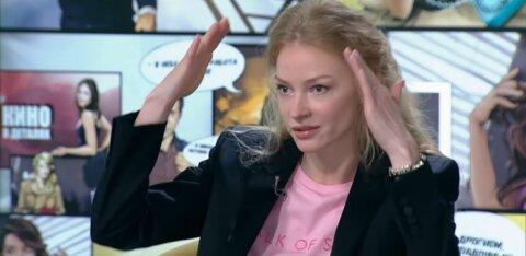 """""""Очень нежно и сексуально"""". Светлана Ходченкова порадовала фото в одной рубашке"""