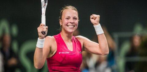 ФОТО: Теннисистка Анетт Контавейт показала свою грудь