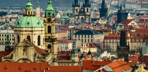 В Чехии ввели строгие ограничения из-за COVID-19: о путешествиях и речи быть не может