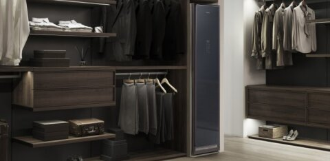 Samsung müüb Eestis riideid värskendavat nutikat riidekappi