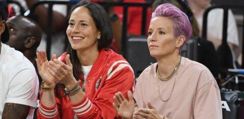 Maailma parim naisjalgpallur kihlus WNBA tähtmängijaga