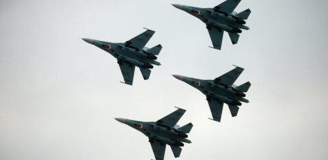 ВИДЕО: РФ дважды за сутки подняла Су-27 из-за американских бомбардировщиков над водами Балтики