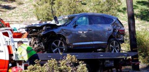 VIDEO | Politsei ei süüdista õnnetusse sattunud Tiger Woodsi hooletus sõitmises, golfilegend oli avarii hetkel kaine