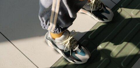 ФОТО | Голые щиколотки уже не в моде? Как обуваться зимой стильно и по сезону