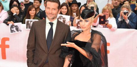 Леди Гага держит Брэдли Купера на расстоянии