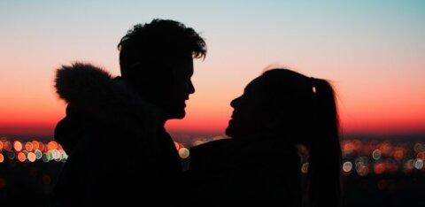 Tüüpilised mõtted, mis käivad mehe peast läbi, kui ta kohtab oma unistuste naist