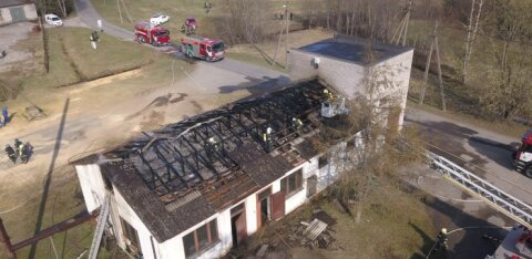 FOTOD | Pärnumaal põles katlamajaga kokku ehitatud alajaam, elektrita on üle 1500 majapidamise