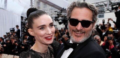 """""""Jokeri"""" staar Joaquin Phoenix sai esmakordselt isaks: poja nimi ajab nutma arvatavasti nii mõnegi fänni"""