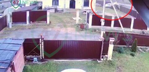 ВИДЕО | В Ленинградской области рухнул самолет в метрах от жилого дома