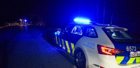 Во время трагического пожара злоумышленники обокрали полицейскую машину
