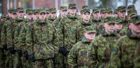 Kaitsevägi hakkas umbkeelseile ajateenijaile kohustuslikus korras eesti keelt õpetama
