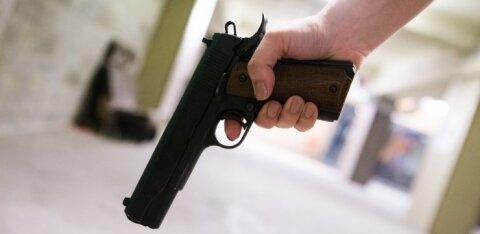 Мужчина палил из стартового пистолета в столичном Хааберсти