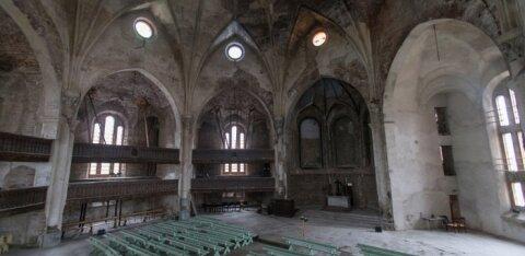 Министр культуры Лукас представил концепцию будущего Нарвской Александровской церкви