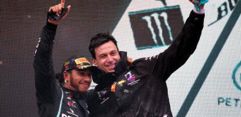 Mercedese boss läbirääkimistest Hamiltoniga: me pole Russelli kaarti lauda löönud