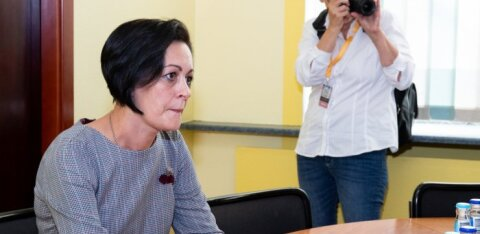 Мэру Нарвы и председателю горсобрания подняли заработную плату на 33%