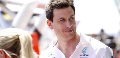 Mercedese boss: piiripealne räpane võidusõitmine tuleb vormel-1 sarjale kasuks