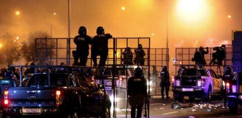 Правозащитник о митингах в Минске: есть сведения об одном погибшем, на него наехал спецтранспорт