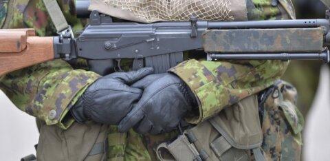 Ühtegi tahab kaitseliitlastele relvad koju anda