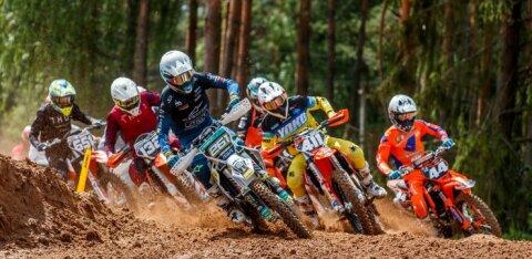 FOTOD | Eesti meistrivõistlused motokrossis said Karksi-Nuias vägeva alguse