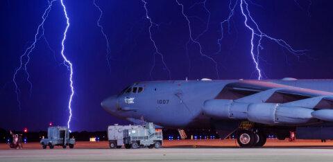США отправили в Великобританию ядерные бомбардировщики