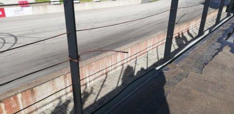 ФОТО | В ралли-парке Лайтсе ребенок упал с трибуны