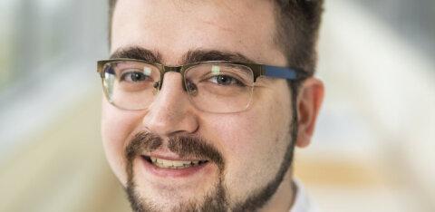 ИНТЕРВЬЮ RusDelfi   Врач ЭМО рассказал про 24-часовые смены, нехватку персонала и способы лечения от коронавируса