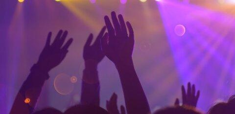 Рейд полиции показал: ночные клубы Пярну соблюдают правила безопасности, а люди — нет