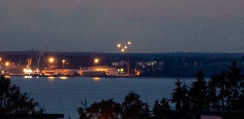 ФОТО | Вчера вечером над морем наблюдалось световое представление. С чем оно было связано?