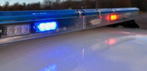 Водитель проигнорировал сигнал полиции остановиться и врезался в столб