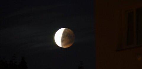 Öösel võib selge ilma korral näha osalist kuuvarjutust