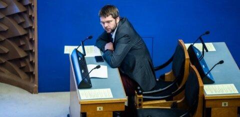 Евгений Осиновский о Законе о гражданстве: принятые поправки предоставляют фейковые права и делят детей на сорта