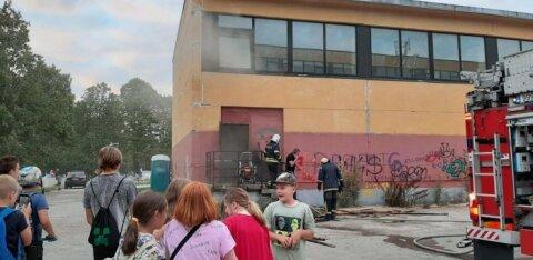 ФОТО | В Таллиннской гимназии Arte вспыхнул пожар