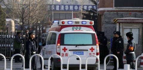 В Китае водитель совершил наезд на толпу, есть погибшие