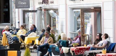 В Эстонии 25% работодателей снизили основную зарплату